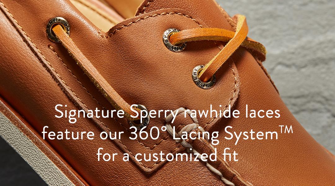 Signature Sperry rawhide laces feature our 360 degree lacing system for a customized fit.