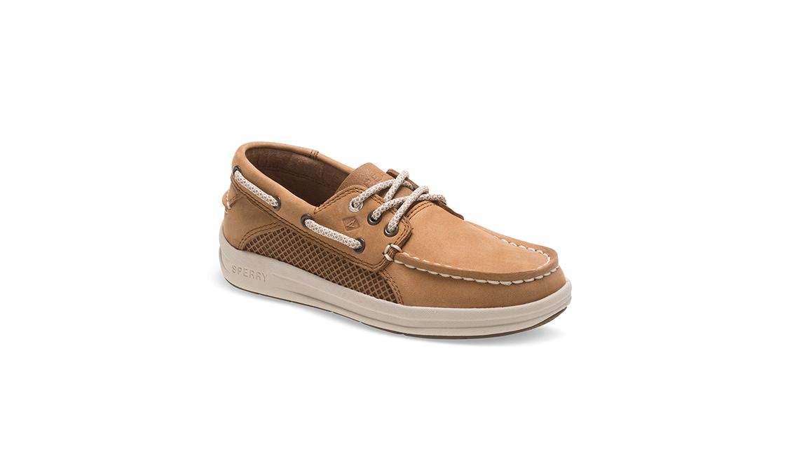 a wide-width Sperry boat shoe