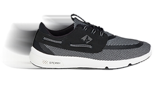 Sperry 7-seas in black and white
