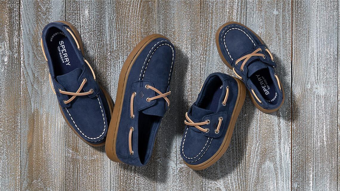Several blue shoes.