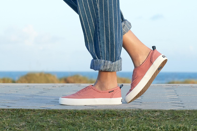 Women's Crest Knot Shoes