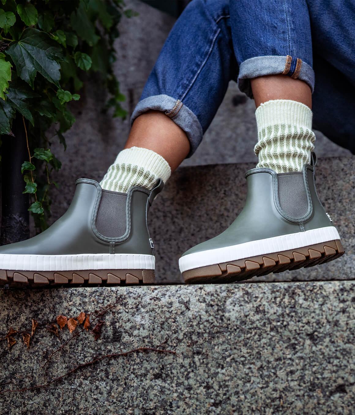 Women's Chelsea boots.